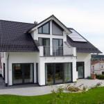 Große Fensterflächen sorgen für eine hohe Sonnenausbeute, wodurch der Energieverbrauch ebenfalls deutlich reduziert wurde.  Bild: tdx/Mein Ziegelhaus