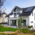 Die Installation von Solarpaneelen, die Verwendung von modernster Haus- und Heiztechnik und der natürliche Baustoff Ziegel sorgen für einen überraschend niedrigen Energiebedarf.  Bild: tdx/Mein Ziegelhaus