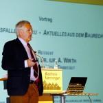 Groß auch das Interesse am Vortrag von Prof. Dr. Axel Wirth zu den Haftungsfallen am Bau.  Foto: Ingo Jensen/Jensen media
