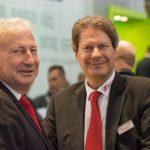 Freuen sich über die gelungene Nachfolgeregelung: Hubert und Thomas Thater. Die bisherigen Geschäftsführer bleiben dem Ziegelwerk Klosterbeuren auch zukünftig erhalten.