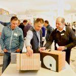 In der begleitenden Ausstellung präsentierten wieder zahlreiche führende Hersteller aus der Bauindustrie ihre innovativen Produkte und Lösungen. Foto: Ingo Jensen/Ziegelwerk Klosterbeuren